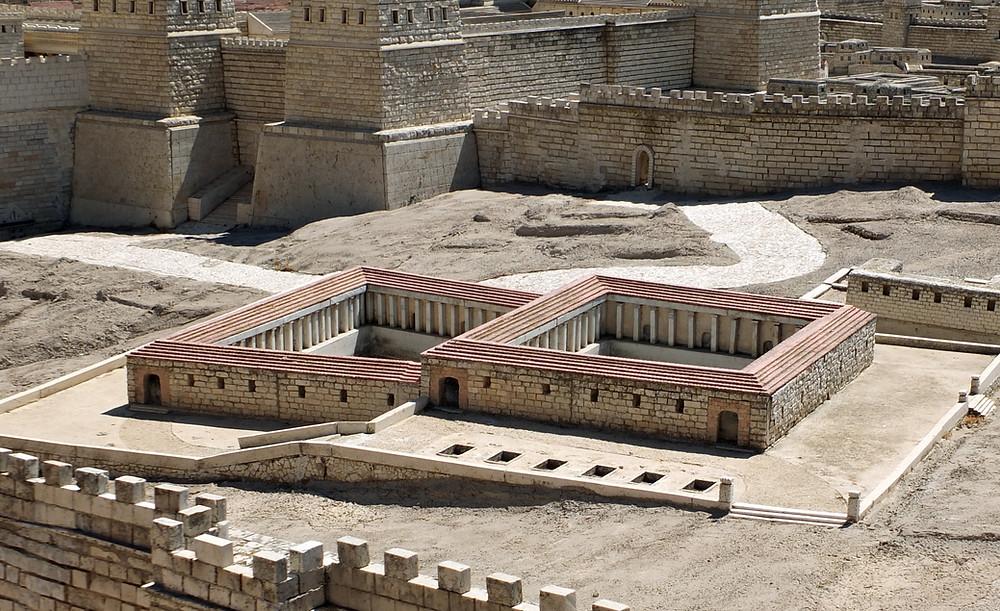 Teiche von Bethesda mit der Antonia Festung im Hintergrund
