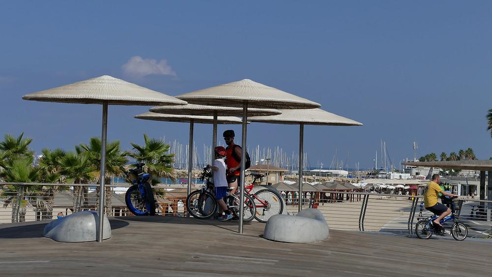 Stopp an der Tel Aviver Strandpromenade