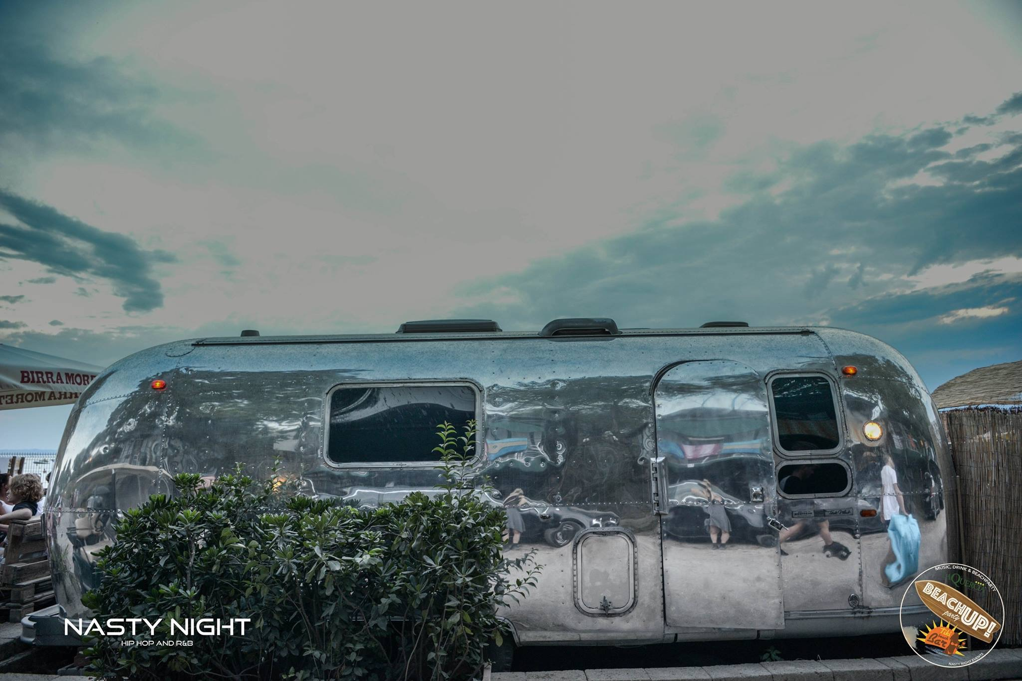 Airstream 24 feet bar by Officine Vivald