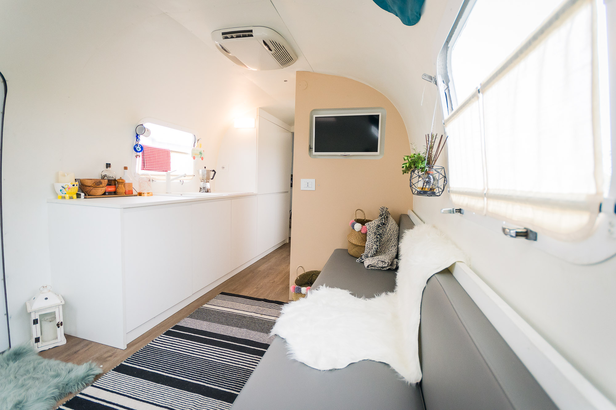 2020 Airstream Glamping 31ft jpg-1