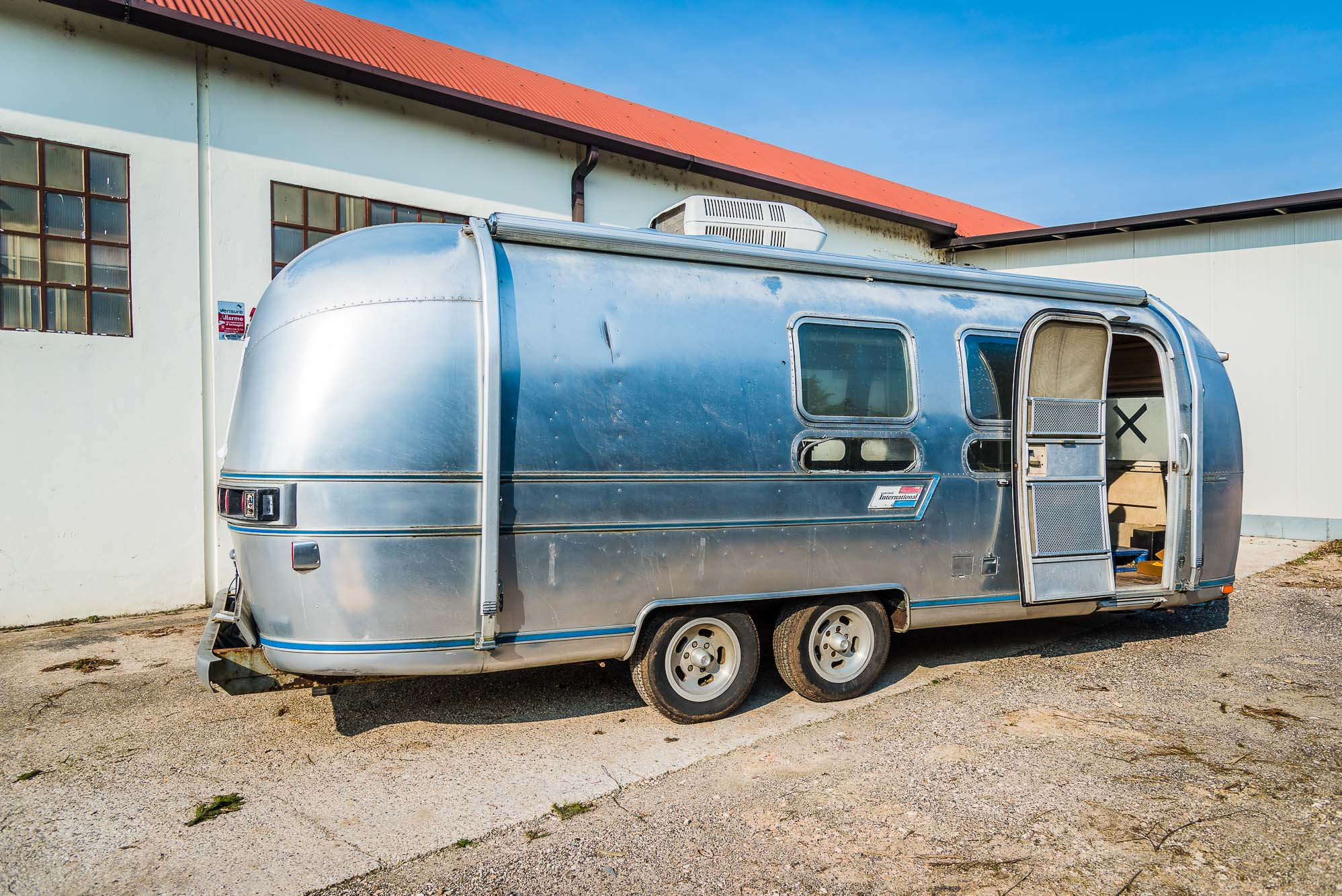 2020 Airstream 25 ft jpg -2