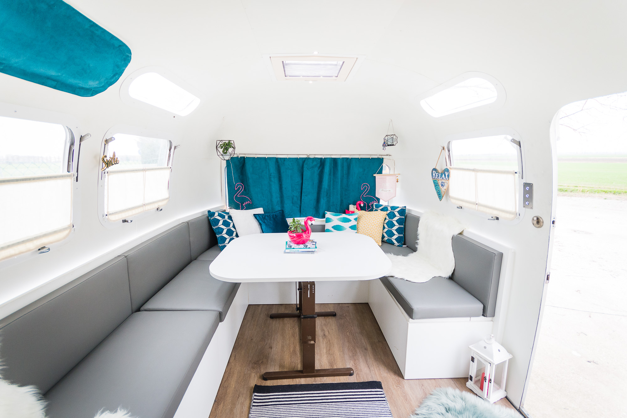 2020 Airstream Glamping 31ft jpg-32