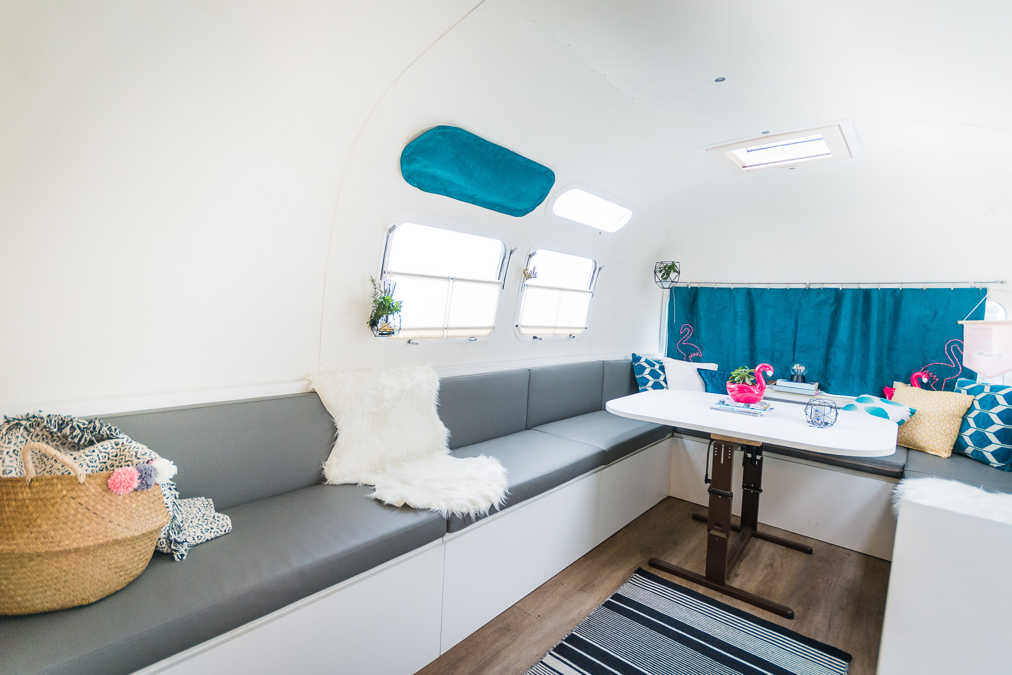 2020 Airstream Glamping 31ft jpg-5