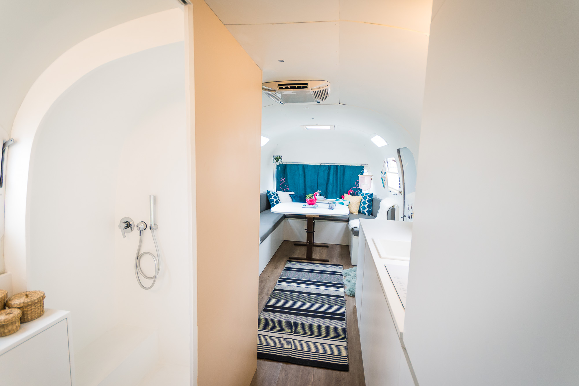 2020 Airstream Glamping 31ft jpg-8