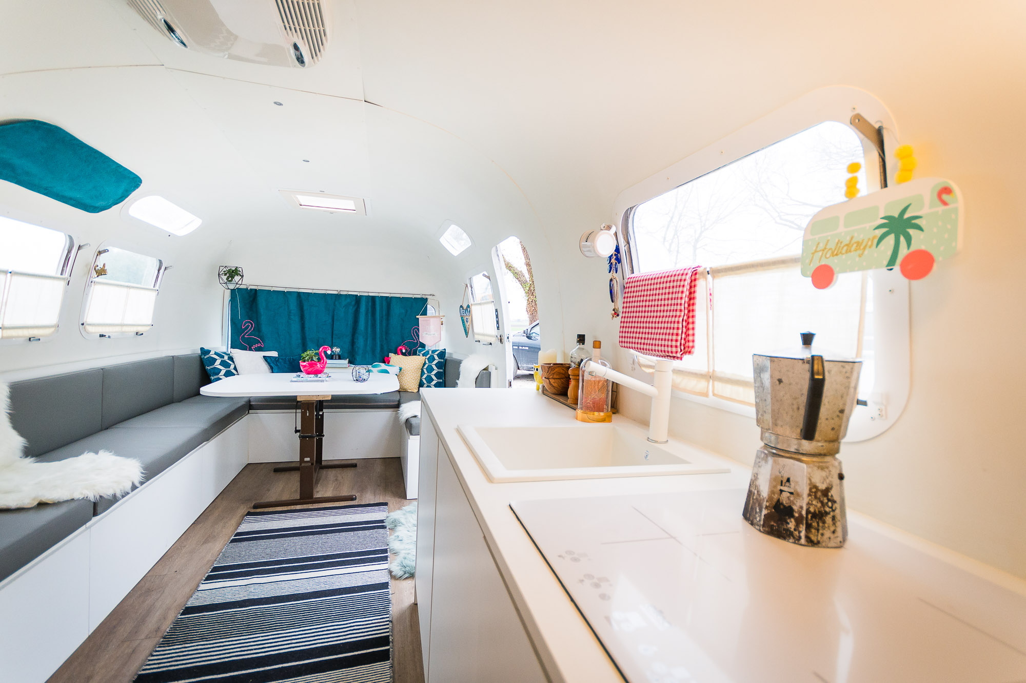 2020 Airstream Glamping 31ft jpg-18