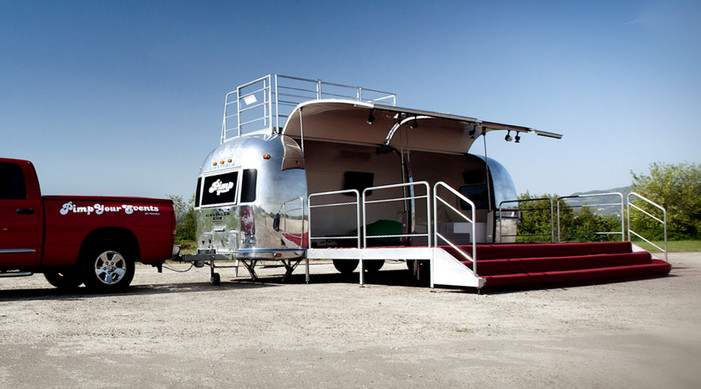 Airstream 27 feet noleggio by Officine V