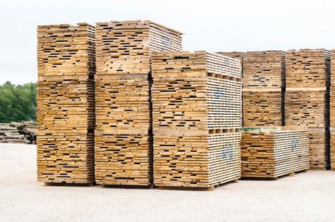 Green Lumber w/ Breeze-Dried Sticks