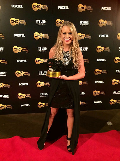 Christie Lamb, CMC New Oz Artist of The Year 2015,
