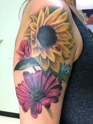 colrrealismtattoo bostontattoo flowertat