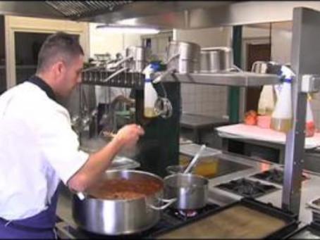 La maison de retraite recherche un cuisinier