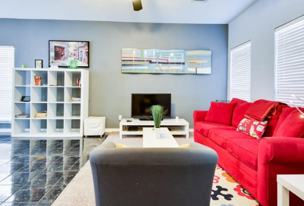 www.vrbo.com/423385.  Our favorite downtown retreat!