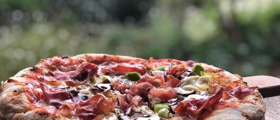 Pizza rouge de la semaine.jpg