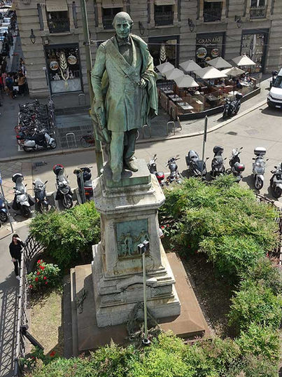 Monumento a Carlo Cattaneo, Milano