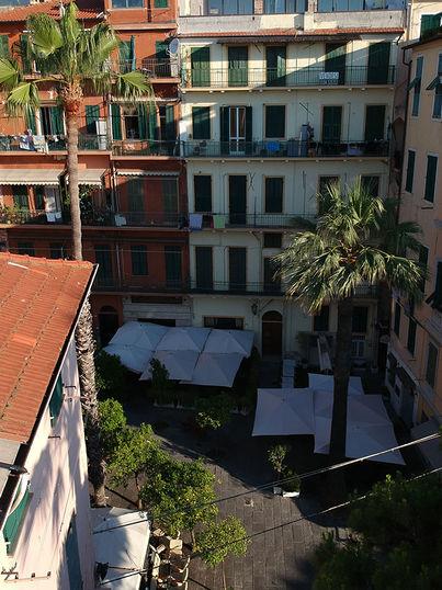 Facciata condominio Piazza Bresca, Sanremo (IM)