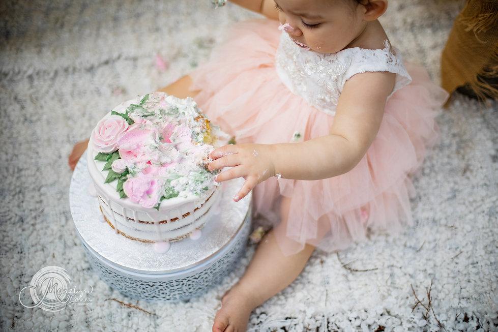 cake smash marelyn photog 4.jpg