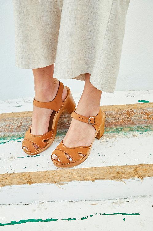 Sandałki TULIPAN ze skóry i drewna