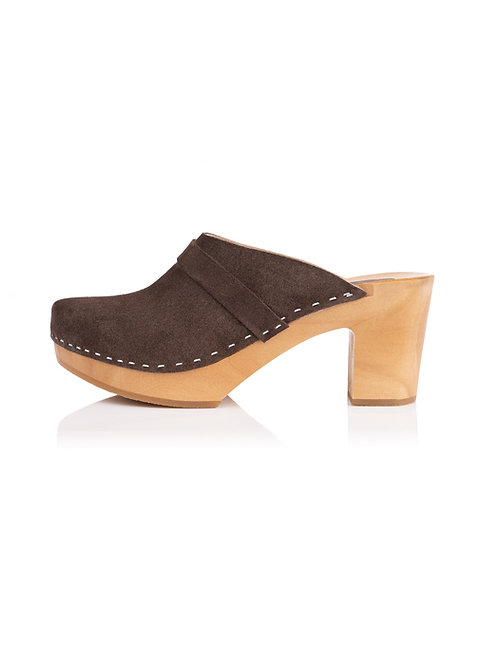 Slingback shoes made of leather and wood