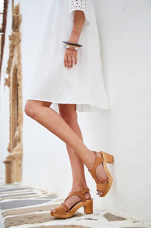 Leather sandal clogs