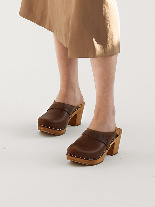 Vinatge Look Leather High Heels Clogs With  Strap
