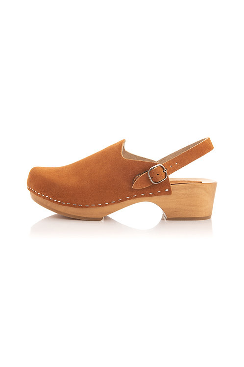 Leather clogs low heel with a strap