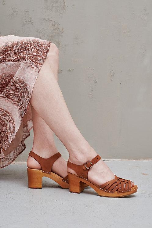 Sandałki damskie KOSZYCZEK ze skóry i drewna