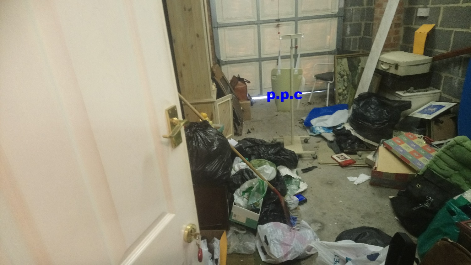 House clearance in fulwell pic 2