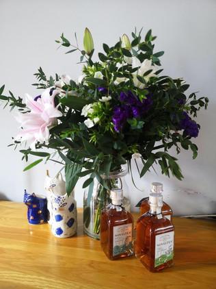 flower subscription vase .jpeg
