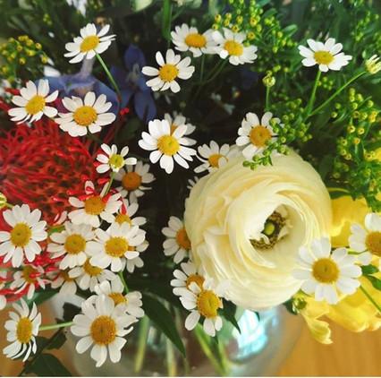 flower vase .jpeg
