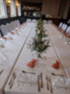 table arrangement wedding.jpeg