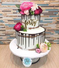 Semi-naked drip cake for a forty and fab