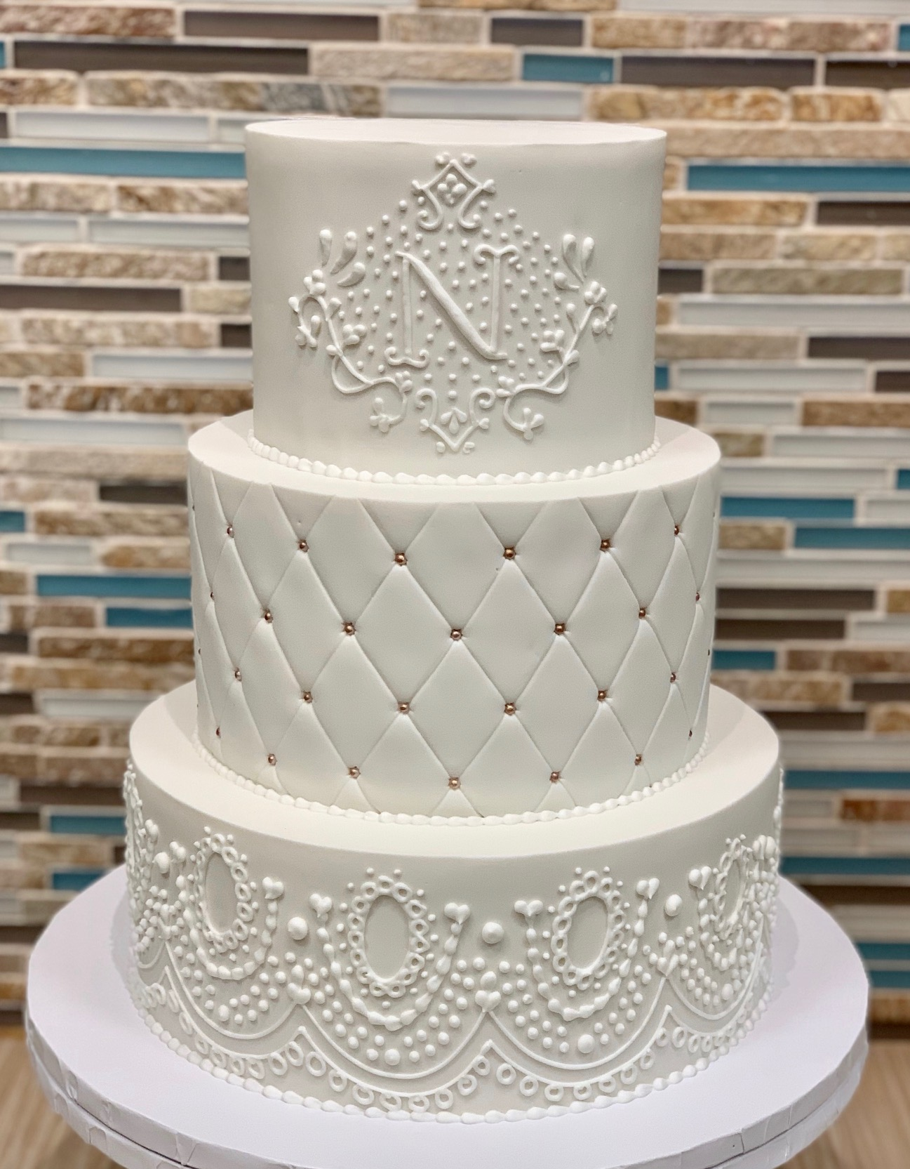 LAce Piping Wedding Cake Design