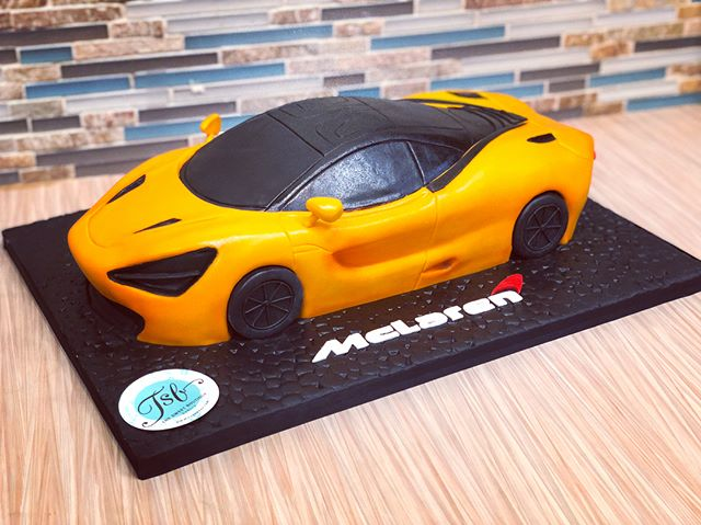 3D Sculpted McLaren 720s cake