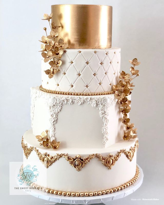 Elegant Gold Wedding Cake