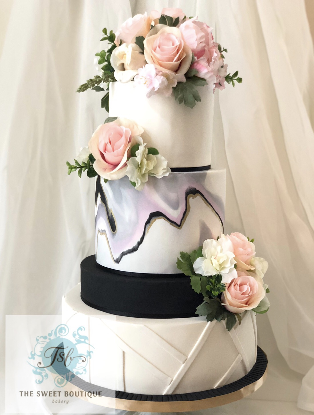 Modern Wedding Cake Design
