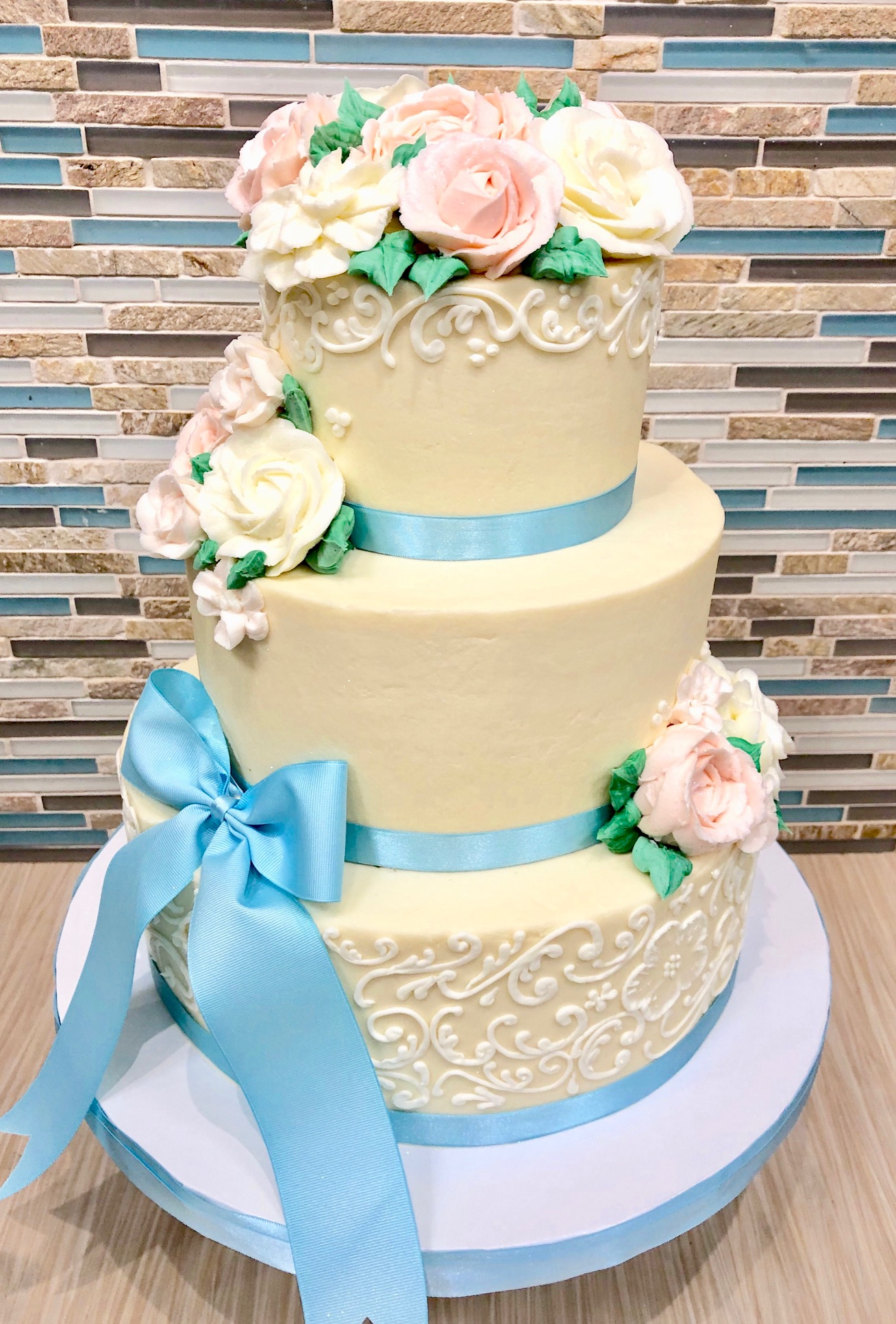 Buttercream Scroll Design Cake