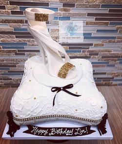 3D Sculpted Pillow/Heel Cake
