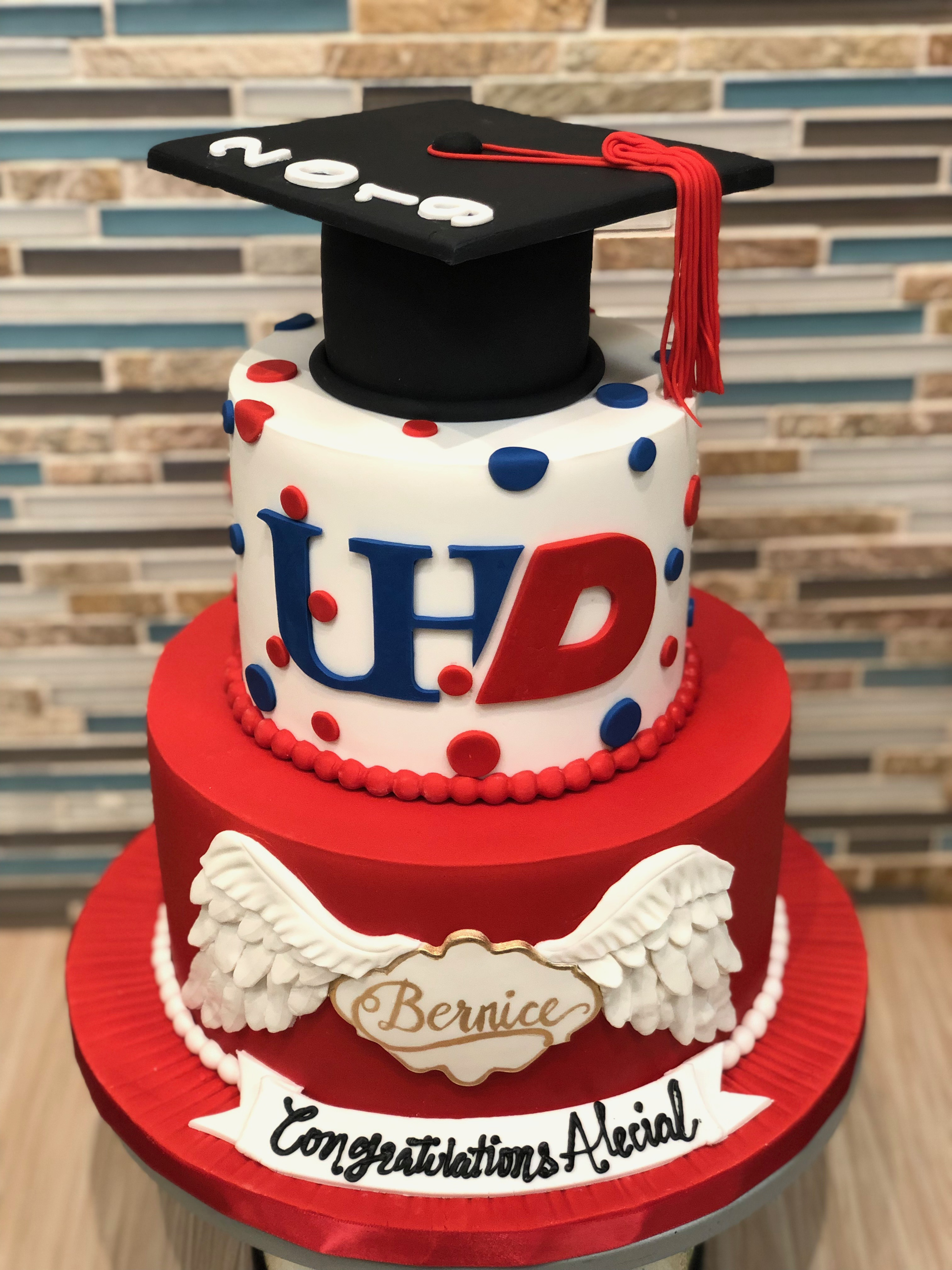 UH Downtown Graduation Cake