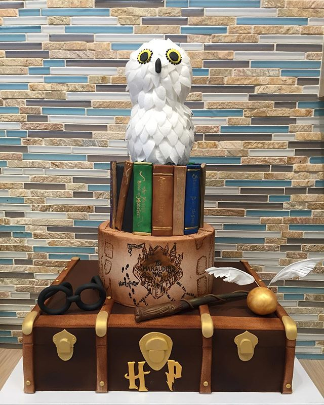 3D Sculpted Harry Potter Cake