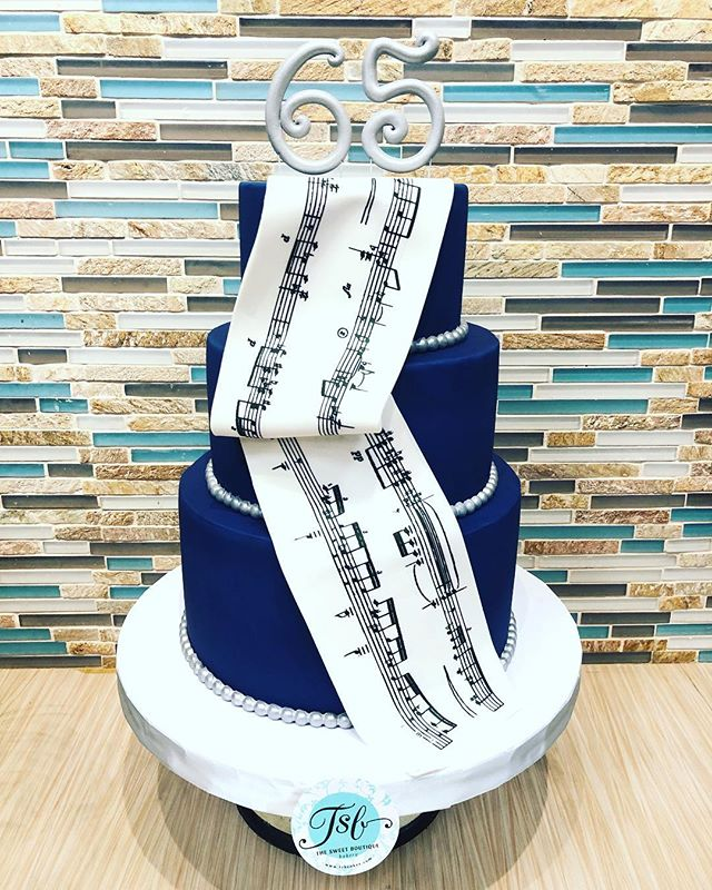 Birthday cake for a music aficionado. 🎶