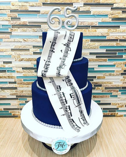 Birthday cake for a music aficionado. 🎶