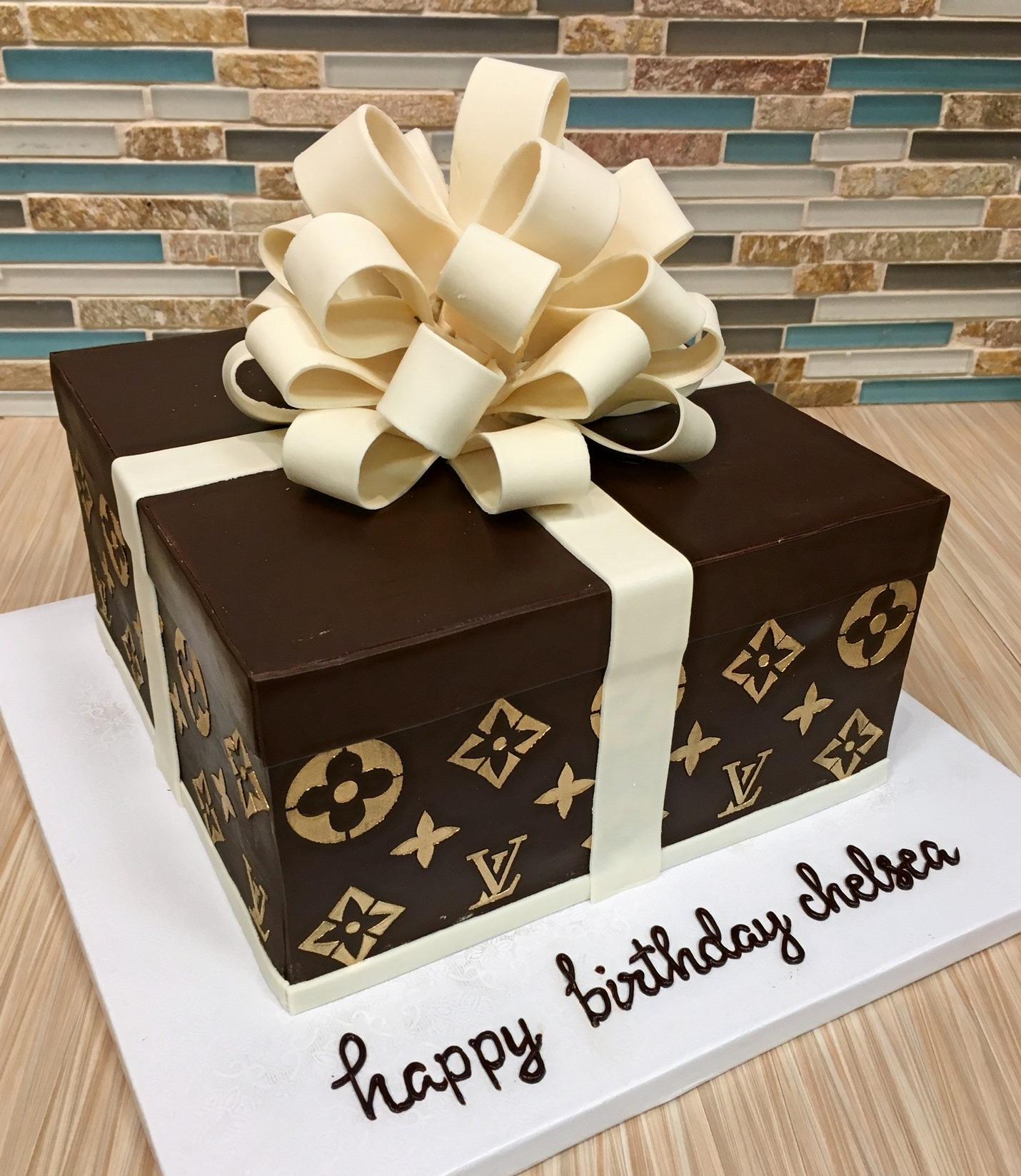 LV Gift Box Cake