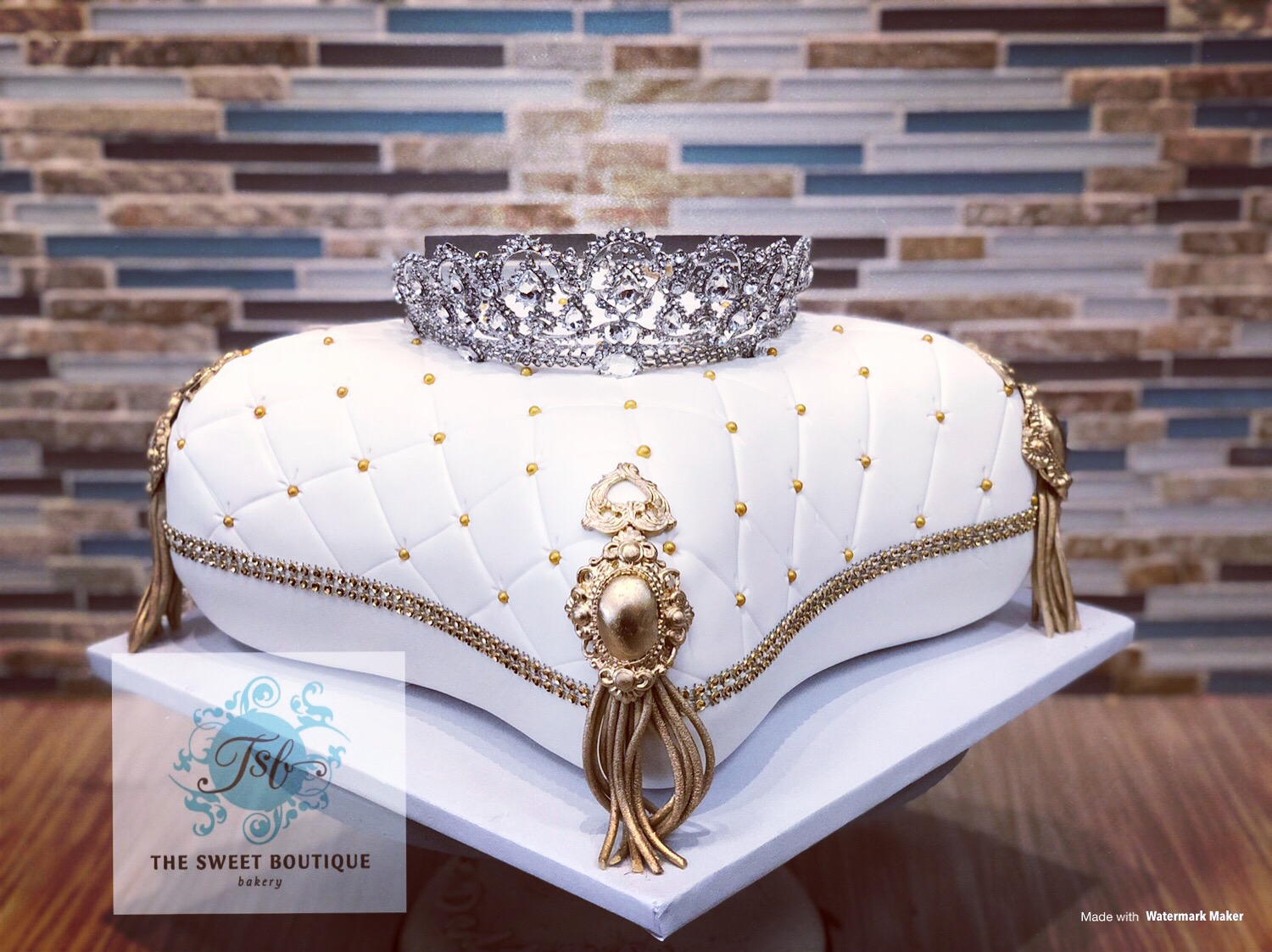 3D Sculpted Pillow Cake with Tiara
