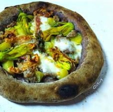 Pizza al Riso venere e Maiorca