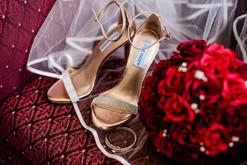 Details- shoes, bouquet and veil