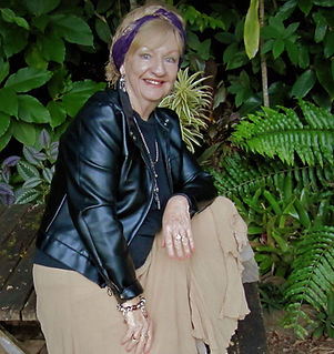 Lynn Shaw profile pic.jpg