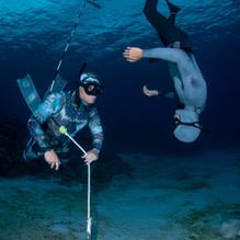 Lance Davis teaching a freedive class