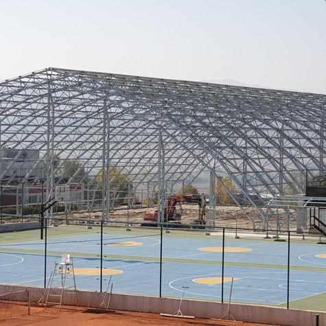 """Инвеститор ЮЗУ """"Неофит Рилски"""" - покрити тенис кортове"""