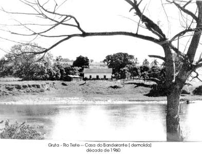 Gruta-Rio Tiete - Casa do Bandeirante.jp