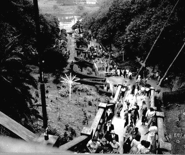 gruta-escadaria-1952 festa de...jpg