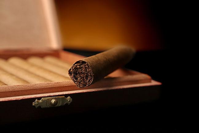 Admiral Cigar Club - Orlando Cigars